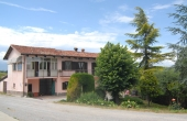 DGL166, We offer for sale a country house with over 2000 sq meters of land