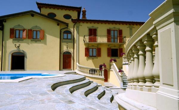villa con piscina (76)