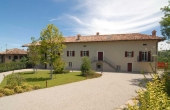 MFT095, A country home with views onto the famous Barolo vineyards