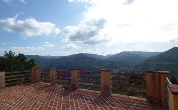Villa panoramica Cortemilia giardino (78)