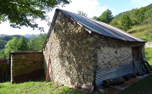 Rustici-in-pietra-con-terreno-(25)