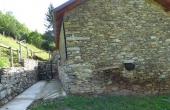 Rustici-in-pietra-con-terreno-(23)