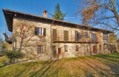 MFT096, A Country House in a Commanding Position with 5 Acres of Land for Sale in Monforte d'Alba