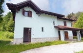 LRS002, Renovated farmhouse with 6 ha of land